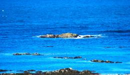 blue ocean at Iona's south coast